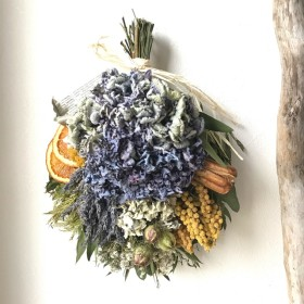 3色の紫陽花×ラベンダーのドライフラワースワッグ