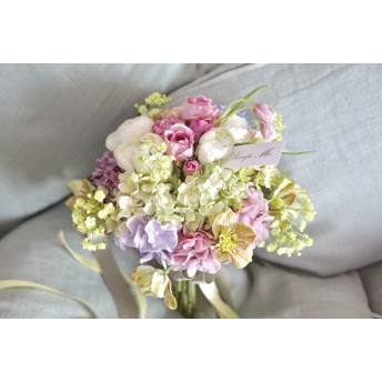 'Natural clutch bouquet'クリスマスローズのクラッチブーケ