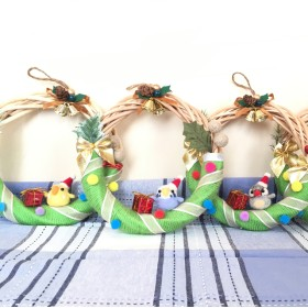 文鳥とセキセイインコのクリスマスリース