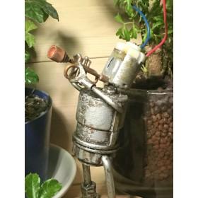 ビスナットロボットトランペットを吹く(再販)です。