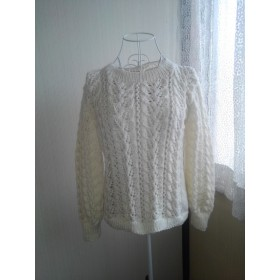 リーフ模様のセーター(ホワイト)