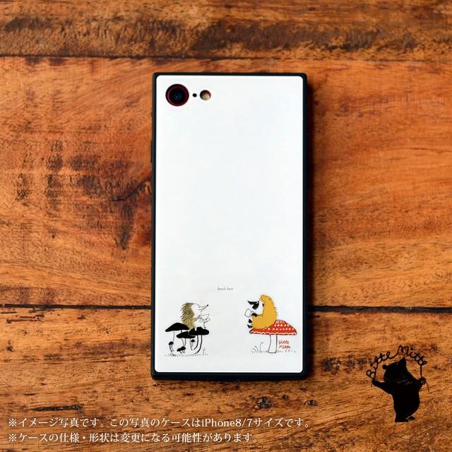 iPhone8 iPhoneXs iPhone11 iPhone8plus ケース 強化ガラス スクエア スマホケース 秋 きのこ ハリネズミのブレイクタイム/Bitte Mitte!