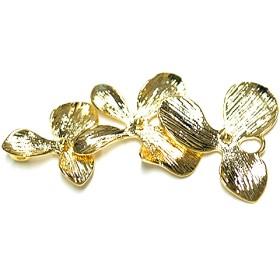 再販【1個】バラして使えるTriple Flower(トリプルフラワー)光沢ゴールドチャーム、パーツ