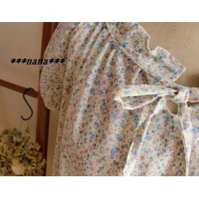 リボン結びのスモッグブラウス 半袖 ブルー花 M