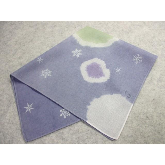 綿ハンカチ(ボタン雪と結晶・青色絞り染に型染)