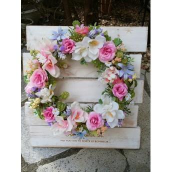 春の訪れ!バラとフリージアのロマンティックリース