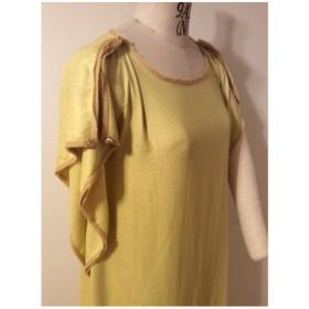 バタフライ袖のリラックスドレス