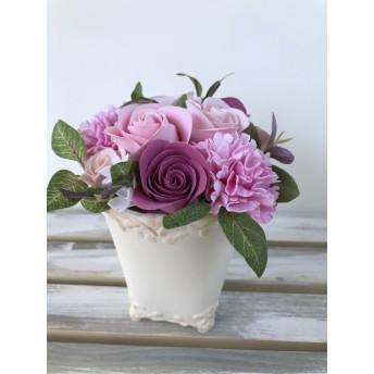 母の日に ピンクのカーネーションとバラ