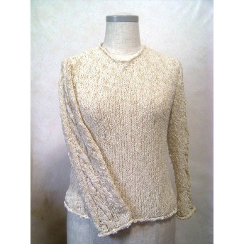 七分袖のさらっとセーター