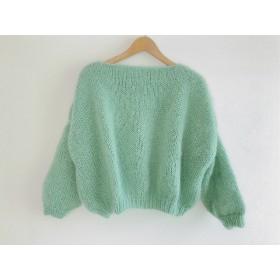 目立つ色のセーター モヘア