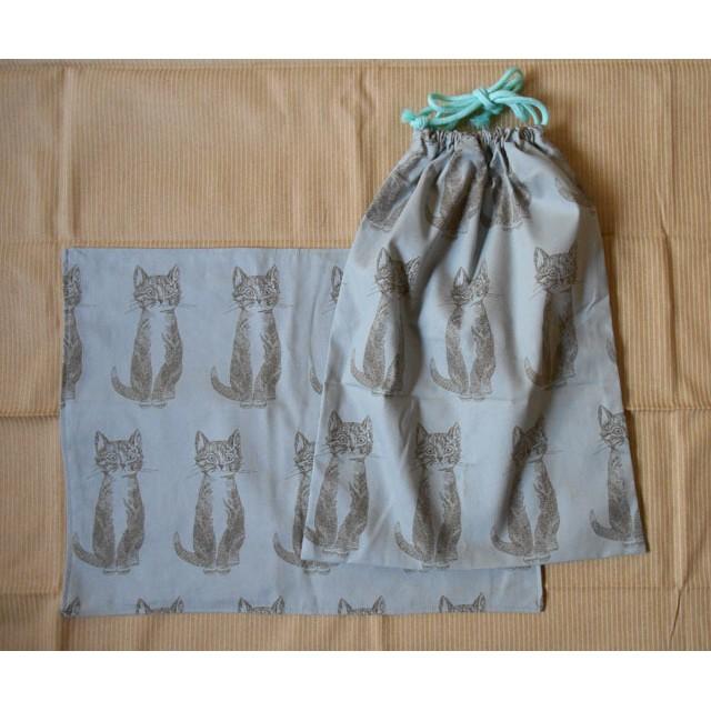 ねこさん巾着とランチョンマットのセット