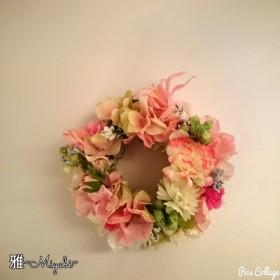 可愛いピンクの春色リース