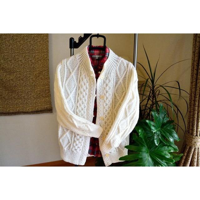 婦人純毛 オフホワイトアラン模様の手編みカーディガン(送料込み)帽子付き