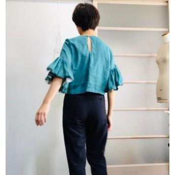 シワになりにくいリネン100% ボリューム袖のデザインブラウス グリーン