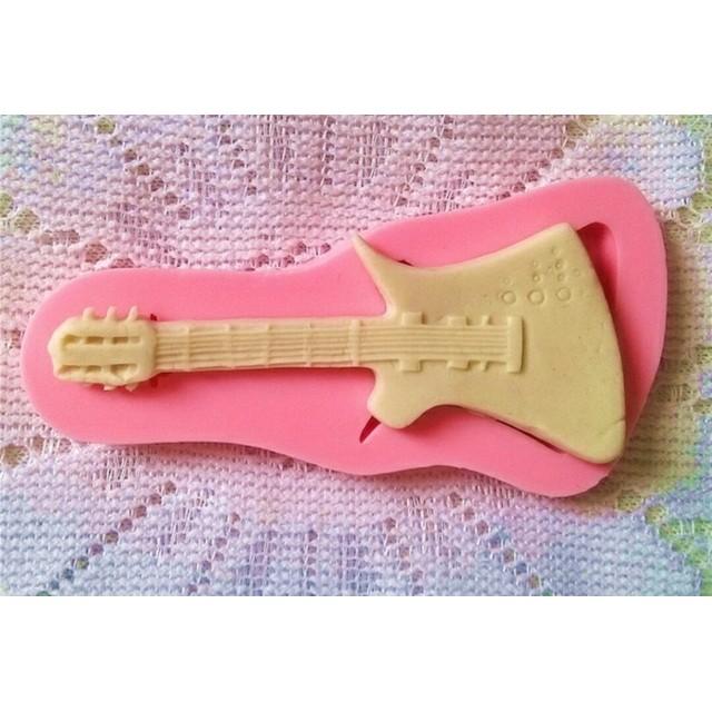 m-96【シリコンモールド】日用品 ギター