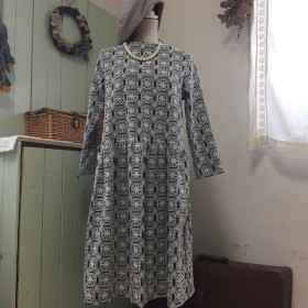 ゴージャス橤総刺繍ワンピース受注生産