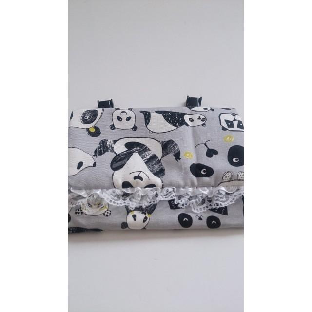 白いレース付きパンダの移動ポケット