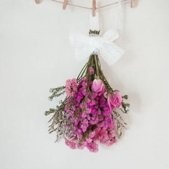 特別価格 1輪バラとスターチスふんわり 彩りピンク系スワッグ