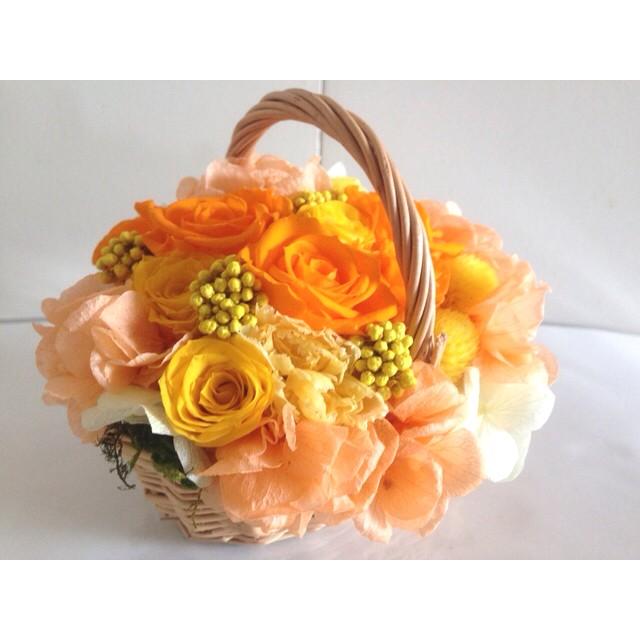 豪華なフレンチバスケットアレンジ Flavie(フラヴィ)オレンジ プリザーブドフラワー 花