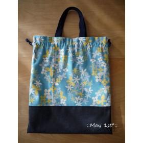 (ブルー)お花とちょうちょ柄のお着替え袋♪