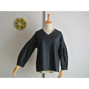 【Ladies M】Vネックボリューム袖プルオーバー ブラックベリー