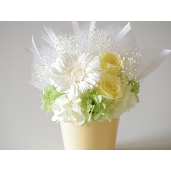 クリームイエローの花器 ブーケ風