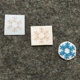 キラキラ雪の結晶