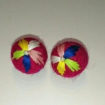羊毛フェルト刺繍ボール 24