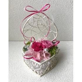 ピンクローズのハートアレンジ*プリザーブドフラワーブリザバレンタインホワイトデー結婚式誕生日プリザ薔薇プレゼント誕生日バラギフト花器サプライズ結婚祝い退職祝い卒業祝いリボン