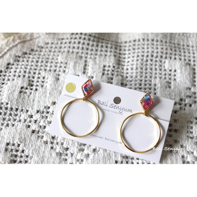 Frame & Hoop No.3 〜Rainbow Color shell ピアスorイヤリング