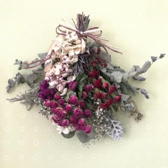 red×4種花のドライフラワースワッグ