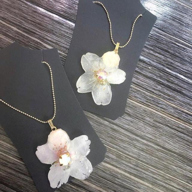 桜のレジンネックレス