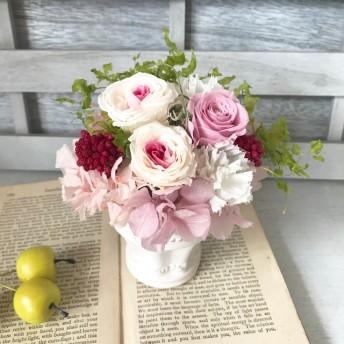 可愛らしいホワイトピンクアレンジⅤincent(ヴァンサン)母の日 退職祝い 退職祝いひな祭り プリザーブドフラワー 敬老の日 結婚祝い お誕生日 母の日送別祝い