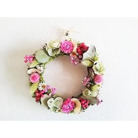 プリザーブドフラワー とドライフラワー ユーカリとピンクのお花の優しいリース 母の日、 記念日、プレゼントに。