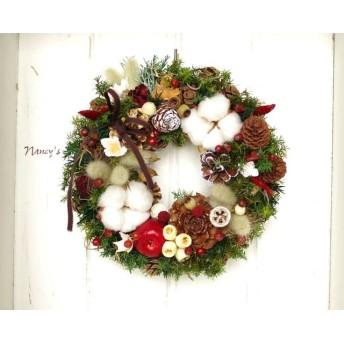 Nancy'sコットンと木の実のクリスマスリース