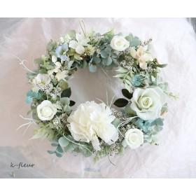 白いお花たちのさわやかリース