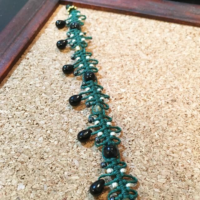 天然石とチェコビーズのマクラメブレスレット(グリーン×ブルータイガーアイ)