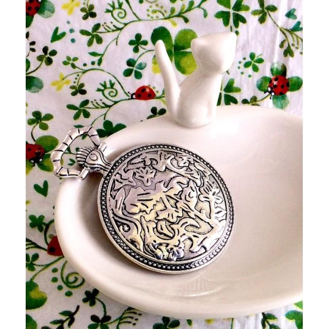 大きなアラベスク模様の懐中時計 ミール皿 銀古美 1枚 デコ・レジン・アクサセリーパーツ