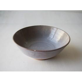 赤土の大鉢
