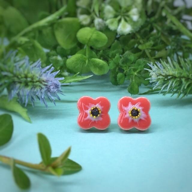 春 アネモネの小さい花 陶器 ピアス 春 イヤリング 春