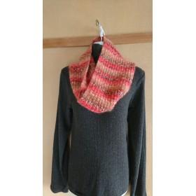 段染め糸の手編みネックウォーマー