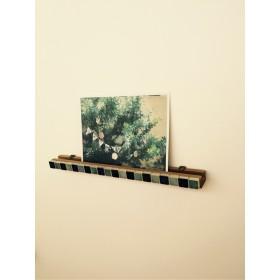 かわいいスクエアタイルのウォールバー☆写真がおしゃれな壁飾りに