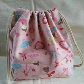 可愛いバレリーナ柄のお弁当袋 巾着 ピンク色