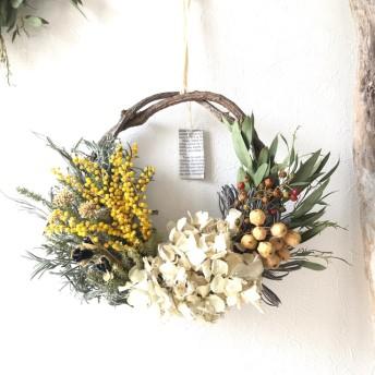 3種類の木の実×ミモザのドライフラワーリース