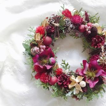 【送料無料】Red Christmas rose クリスマスローズと木の実のリース