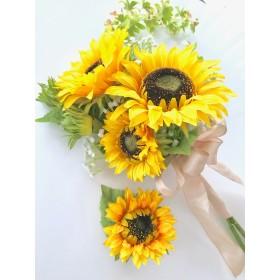 アームブーケ》夏のウェディングに人気のひまわりと蘭の花