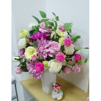 造花 フラワーアレンジメント おしゃれ玄関にリビングいかがですか?