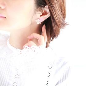 ホワイトアナベル紫陽花のパールイヤリング