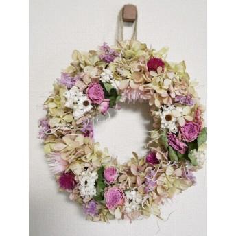 小さな森のピンクのお花畑リース