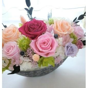シルバーグレーの豪華な花器にピンクピーチアゼリアプリザーブドフラワー